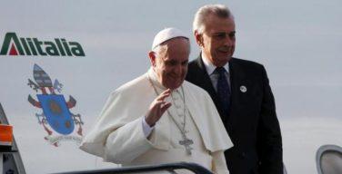 pope-bids-kenyans-bye-36831