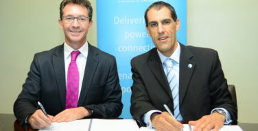 L-R :Richard Hechle (left) Managing Director, Internet Solutions Kenya and Telco Systems CEO- Ariel Efrati (right) at the partnership signing