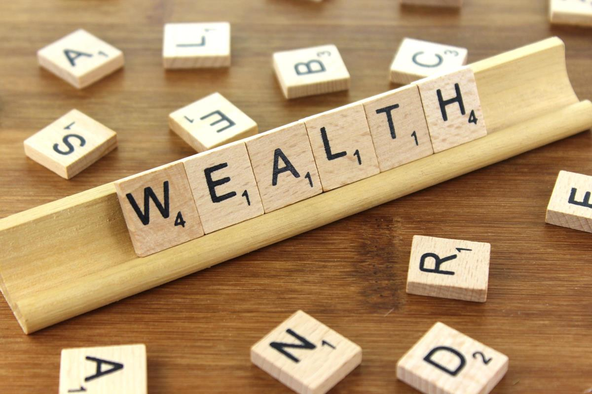 Habits of the rich that help build wealth
